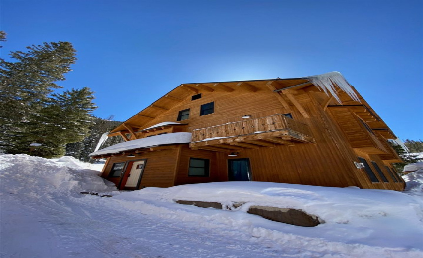 100 Kachina Road, Taos Ski Valley, New Mexico 87525, 3 Bedrooms Bedrooms, ,3 BathroomsBathrooms,Residential,For Sale,Kachina Road,106628